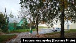 Кацярына Карпіцкая выходзіць з турмы на Акрэсьціна