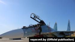 Расейскі самалёт Су-30СМ на аэрадроме ў Баранавічах. 8 верасьня 2021 году.
