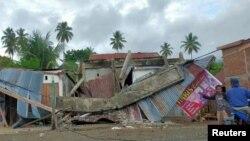A földrengés miatt összedőlt ház Mamuju városában, 2021. január 15-én.