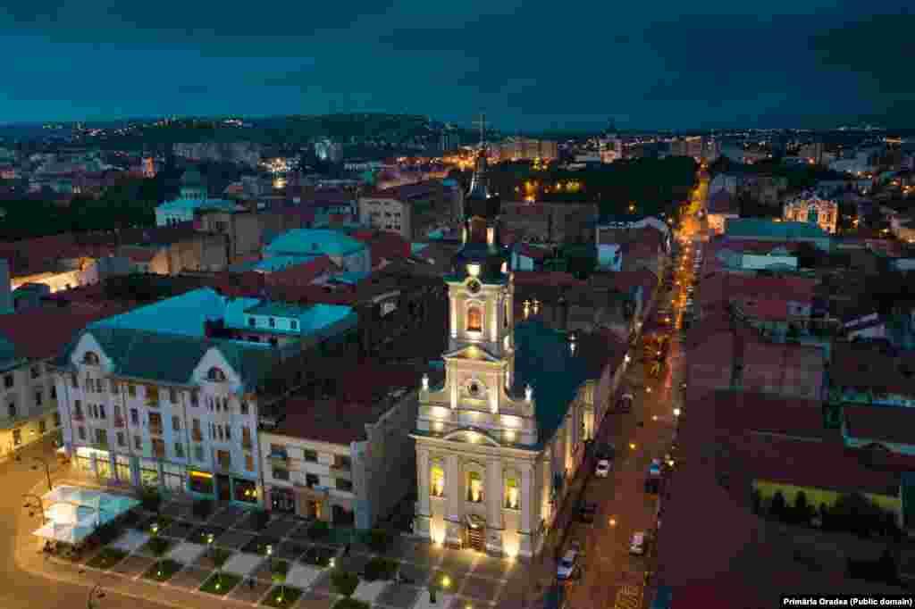Oradea by night