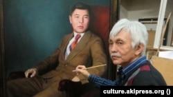Орозбек Молдобаев акын Алыкул Осмоновдун сүрөтүн тартып жаткан учуру. Архивдик сүрөт.
