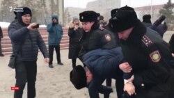 """Ақтөбе: """"Шеру"""" өтетін жерде полиция наразыларды ұстады"""