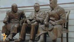 «Yaltada «üç büyük adamnıñ» eykelini tiklemek sayğısızlıqtır»