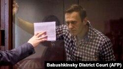 Aleksei Navalnîi, în sala de judecată, februarie 2021