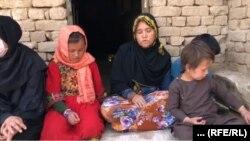 یکی از خانمهایی که در ولایت کندز براثر جنگها شوهرش را از دست داده