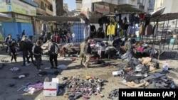 Фотографија од местото на бомбашките напади во Багдад