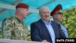 Александър Лукашенко е неизменно начело на Беларус от 1994 г.