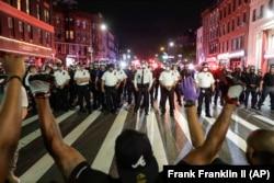 Poliție vs protestatari, New York, 4 iunie 2020.