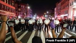 Vdekja e George Floydit në duart e policisë ka shkaktuar protesta globale kundër racizmit. Foto nga arkivi.