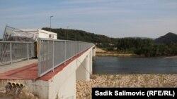 Izgradnja graničnog prelaza Bratunac kod mosta Bratoljub između Bosne i Hercegovine i Srbije, u Bratuncu