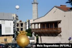 აივანი თანამედროვე თბილისში