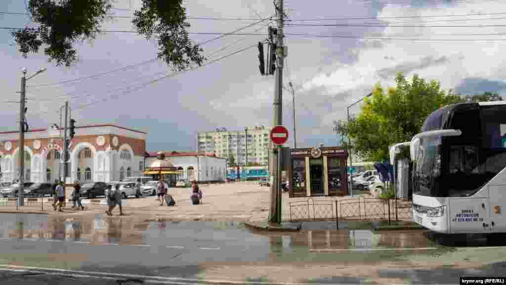 7 липня дощ в основному накрив район авто- та залізничного вокзалів