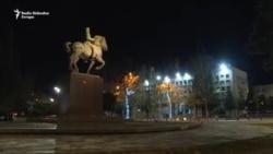 Noć u Podgorici: Parlament još o zakonu, SPC na ulici