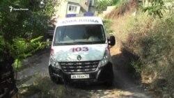 В Севастополе машина «скорой помощи» попала в каменную ловушку над обрывом (видео)