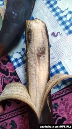 Банан купленный на рынке №6 в Ашхабаде. 15 января, 2021.