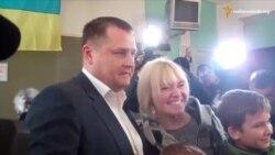 Вілкул і Філатов проголосували у Дніпропетровську й сфотографувались на дільницях (відео)