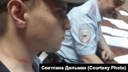 Избитый Евгений Дильман на второй день после задержания на митинге в поддержку Фургала в Комсомольске-на-Амуре