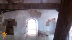 Gəncədə Nizaminin ev muzeyi dağılmaq üzrədir...
