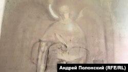 Кирха в Лумиваара. Остатки настенной росписи. 2020 г.