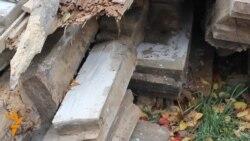 Чумацька хата: реконструкція через руйнацію?