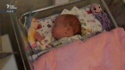 Унікальний випадок: у Львові врятували від COVID-19 передчасно народжене немовля (відео)