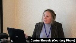 """""""Тонг жаҳони"""" нотижорат ташкилоти раҳбари Валентина Чупик."""
