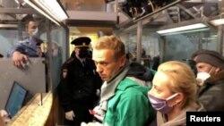Opozantul rus Alexei Navalnîi reținut imediat după aterizarea la Moscova, 17 ianuarie 2021.