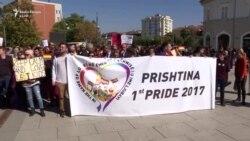 Mbahet Parada e parë e Krenarisë në Prishtinë