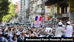 Дар намози ҷумъаи 30-юми октябр мусалмонон дар Бангладеш ба бойкоти маҳсулоти Фаронса даъват карданд