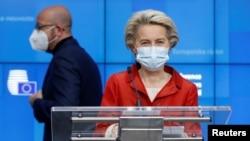 Președinta Comisiei Europena, Ursula von der Leyen și președintele Consiliului European Charles Michel, Bruxelles, 29octombrie 2020.