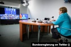 Ангела Меркель участвует в экстренной видеоконференции лидеров ЕС в связи с событиями в Беларуси