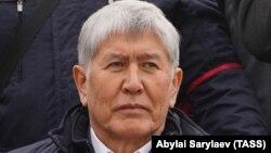 Бывший президент Кыргызстана Алмазбек Атамбаев на митинге. Бишкек, 9 октября 2020 года.
