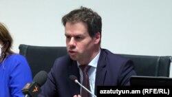 Посол Франции в Армении Джонатан Лакотт