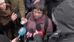 В Киеве женщину, пришедшую голосовать на российских выборах, не пустили в посольство (видео)