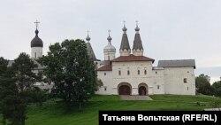 Ферапонтово. Ферапонтов-Белозерский Богородице-Рождественский Мартинианов монастырь