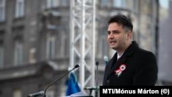 Márki-Zay Péter (Mindenki Magyarországa Mozgalom) az ellenzéki pártok demonstrációján Budapesten, 2019. március 15-én