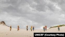 """Copiii din 37 de țări """"hotspot"""" sunt cei mai expuși lipsei apei. Este nevoie de măsuri urgente și de mobilizarea resurselor globale, arată ultimul raport al UNICEF."""
