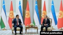 Садыр Жапаров жана Шавкат Мирзиёев. Ташкент, Өзбекстан. 11-март, 2021-жыл.