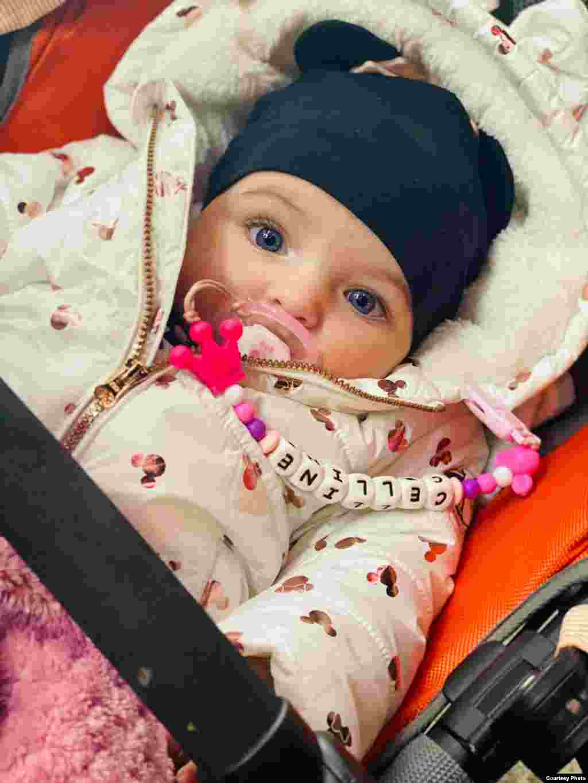 Celline Maria este primul copil al familiei Mihai.