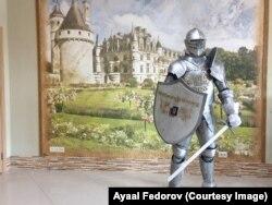 Костюм рыцаря, выполненный на заказ