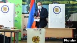 نیکول پاشینیان، سرپرست صدراعظم ارمنستان