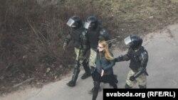Minskdə saxlanan etirazçı
