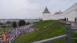 Казанда патриарх Кирилл катнашында тәре йөреше