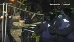 Policia përleshet me mbështetësit e Saakashvilit në Kiev