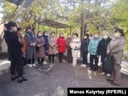 Үстемақы талап еткен медицина қызметкерлері. Алматы, 14 қазан 2020 жыл.