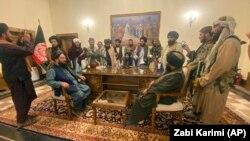 طالبان در ارگ ریاست جمهوری افغانستان