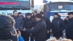 Юрий Шевчук поет протестующим дальнобойщикам