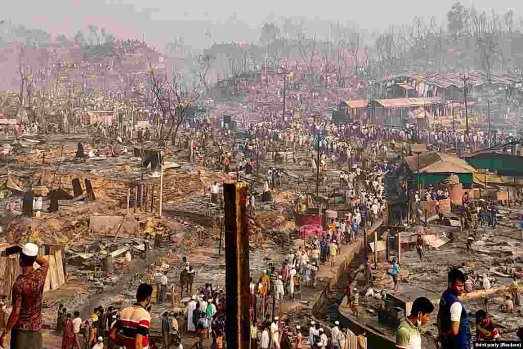 A tűzvészben gyakorlatilag teljesen leégtek a menekültek ideiglenes házai.