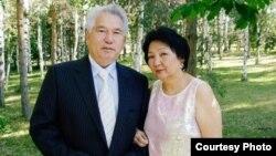 Чингиз Айтматова и Мария Айтматова.