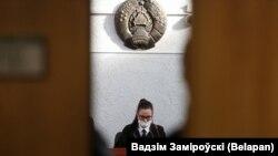 Судзьдзя Натальля Бугук. Фота з паседжаньня 16 лютага